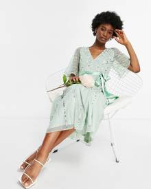 Reclaimed Vintage Inspired oversized spliced t-shirt with front logo in bright green