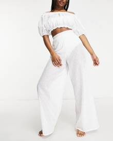 New Look oversized t-shirt with yin yang embroidery in green