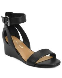 Willowbrook Wedge Sandals Women's Shoes