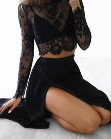 Yoins Black Delicate Sheer Lace Crop Top