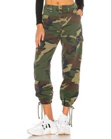 superdown Kayla Camo Jogger Pant in Green. Size 28, 30.