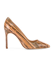 Manolo Blahnik BB 105 Pump in Camel Brown Snake - Animal Print,Neutral. Size 35 (also in ).